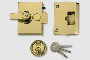 Nightlatch installation by Walthamstow master locksmith